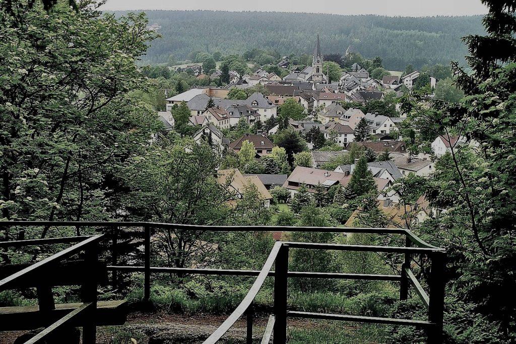 Hügelfelsen